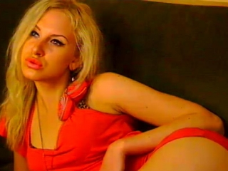 Indexed Webcam Grab of Glamourblond
