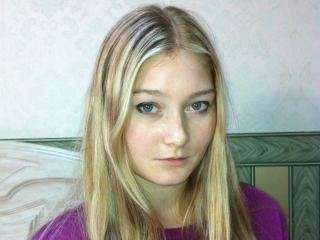 Indexed Webcam Grab of Emilie