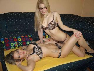 Indexed Webcam Grab of Blondebombers