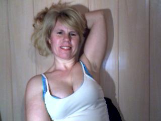 Indexed Webcam Grab of Selena_x