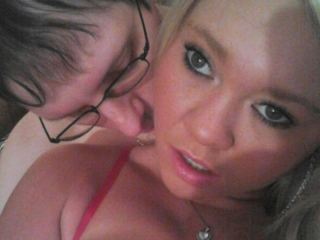 Indexed Webcam Grab of Lovebirds_101