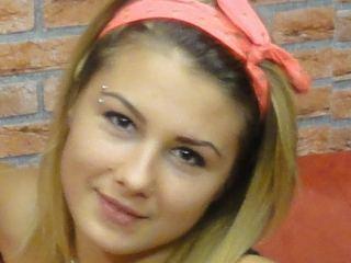 Indexed Webcam Grab of Dorothyfashion