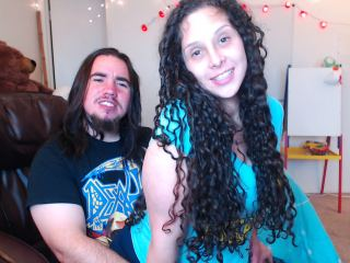 Indexed Webcam Grab of Mr_and_mrs_g