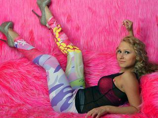 Indexed Webcam Grab of Blondcarolina20